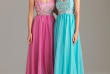 Great styles for Plus size prom girls