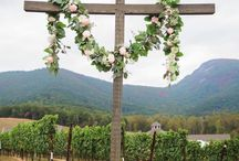 "outside wedding focal pieces / accent the ""I Do's"" with alternatives to arches and gazebos."