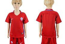 Billige Chile fodboldtrøjer til børn / Køb billige Chile fodboldtrøjer til børn online med oplag. Vi leverer nye Chile billige fodboldsæt børn med lav pris og hurtig levering. Køb nu!