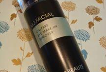 Uno de los mejores desmaquillantes que he probado...ya en el blog M2 Facial Oil Free Eye Make up Remover de M2Beauté...gracias a Lusstra