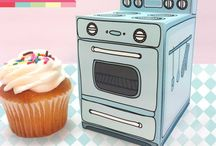 Cake boards,Boxes,cake stands,decorating tools and accesories / Wow!So many amazing things for the world of cake <3