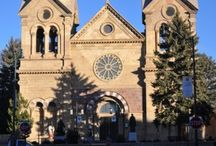 Walking Santa Fe / Downtown Santa Fe is made for walking. Narrow streets lined with Old World architecture and some of the oldest buildings in the United States. Take a walking tour with us IRL- http:www.thesantafetraveler.com or here on Pinterest