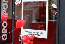 """Projet :  Pop-Up Store Groupon """"KissKissGroupon"""" / Découvrez le Pop-up store Groupon à l'occasion de la Saint Valentin 2015. Le magasin éphémère Kiss Kiss Groupon a ouvert Boulevard Beaumarchais à Paris le 13 et 14 février 2015."""