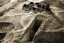 Egypt- Discovery of Tutankamen and other Burial sites / Black and white photographs of early discoveries etc.