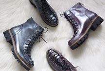 Colectia Toamna - Iarna / Incaltaminte lucrata manual din piele naturala interior / exterior. Disponibile la comanda intr-o gama variata de culori.