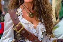 Karneval Fasching Kostüme Piratin Zigeunerin