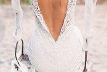 Wedding dresses / Low back