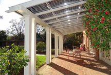 Teraszok / A fenntartható épületfejlesztés nevében az épületek teraszainak fedésére kézenfekvő megoldás a napelemek alkalmazása, elősegítve ezzel az energiafüggetlenséget.
