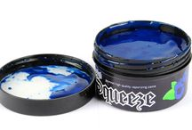 Hookah Squeeze Shisha Flavours / Hookah Squeeze comes as a liquid paste (a bit like tooth paste). It contains no Nicotine.  Simply stir the contents (to mix it up) and then spread some paste into your Shisha Bowl.