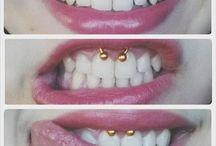 Smiley piercing / Lo smiley è un piercing che si applica al frenulo labiale superiore, molto discreto perché per vederlo....bisogna sorridere! :)