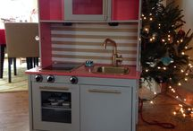 IKEA Duktig play kitchen hacks / Hacks to transform and makeover the IKEA Duktig wooden play kitchen