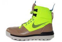 Nike Lunar Terraarktos şimdi Yalı Spor'da / Nike Lunar Terraarktos now available on yalispor.com.tr / Nike'ın yeni sezon ayakkabısı Lunar Terraarktos sert hava koşulları için tasarlandı. -20 dereceye kadar soğuk havalarda ayağınızı sıcak tutacak bir teknolojiye sahip olan Lunar Terraarktos'u satın almak için hemen tıklayın! http://goo.gl/WQnUjy