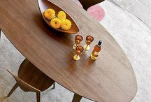 oval_table
