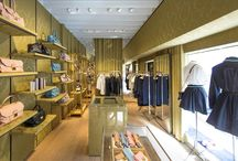 Miu Miu shop in Saint Tropez / Miu Miu shop in Saint Tropez. Vetreria Bazzanese has provided the glass furniture: mirrors, shop windows in laminated safety glass and coating of benches in extra clear glass.