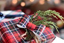 Seasonal Gift Wrap