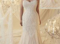Plus size bridal Callista