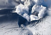 Volcanoes in Iceland / Iceland is famous for its many volcanoes, both active and inactive ones!