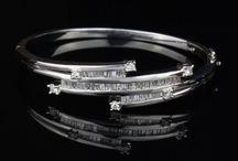 Bracelets / All kinds of pre-owned bracelets