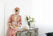 Oriental Beauty / Qu-kua, is a popular choice of attire for many brides in Singapore. Here, we share the beauty of our in-house Kua, with our unique bridal styling.