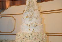 Amazing 9' cake by Maggie Austin Cake, Flowers by Amaryllis, Inc. Floral + Event Design #socoevents #wedding @Amaryllis Archanjo Archanjo, Inc.