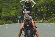 Chicas en motos
