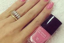 Health and beauty / Nail polish