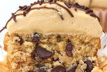 Cupcakes / by Tamara House