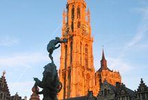 Proef de Stad / De eerste culinaire wandeling in Antwerpen.  Proef de stad is geschikt zowel voor mensen die de stad niet (zo goed) kennen als doorwinterde Sinjoren. De wandeling, die 2 uur duurt, situeert zich in de oude binnenstad. onderweg proeven de deelnemers verschillende Antwerpse lekkernijen.  www.lekkerAntwerpen.be