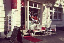 """Misses & Marbles Shop / Café in Berlin / Die Misses intern I Innen- und Aussenansicht unseres Ladens mit Café """"Misses & Marbles"""" in der Raumerstrasse 36 in Berlin Prenzlauer Berg I Süsses für die Sinne I http://www.misses-marbles.de"""