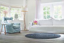 Knulst ♦ Eiken hout / Houten vloeren zijn natuurproducten. Dat ziet u terug in het unieke karakter van iedere houten vloer. Naar welke houtsoort uw voorkeur ook uitgaat, bij ons bent u altijd verzekerd van een duurzame en sfeervolle vloer met een eigen uitstraling. Houten vloeren kunnen naadloos aansluiten bij uw levensstijl en interieur.