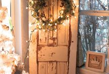 Christmas Decorating Ideas / Home for the holidays. It's the most wonderful time of the year!