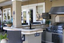 Outdoor Kitchens / A variety of Outdoor Custom Kitchens