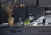 Black kitcheen design