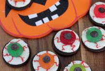 Halloween Spooks / Halloween is the perfect time to grab the family and create fun and spooky memories!