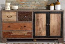 Möbelserie - Taarbek / Bei der Herstellung von der Serie Taarbek wird recyceltes Altholz und neues Massivholz verwendet