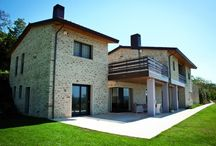 Country Estate / A private residence, flawlessly integrated with the surrounding scenery of the Assisi Valley.
