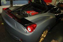 Impresionante Ferrari 458 en Gris Mate Metalizado by ProntoRotulo / Tenemos un misil recien llegado y es tan rápido que se nos movieron las fotos.  Pero ahora lo hemos parado unos dias y lo vinilamos en Gris Mate Antracita Metalizado y hasta las llantas que venían en Dorado se convirtieron en Negro Mate Satinado para terminar del darle el look que se merece semejante aparato, no?  Materiales MacTac alta gama wrap / by Pronto Rotulo