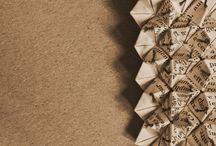 Joyería con papel / Creación de piezas de joyería con papel. Partiendo de la idea de eslabón o secuencia, se crean diversas composiciones que adquieren forma y aplicación como complemento personal.