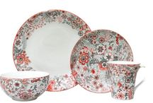 Romantic Dinnerware Set / Have a set that are for intimate functions with our romantic dinnerware designs!