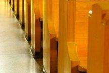 decoracion para bancas con papel decorativo en iglesias