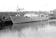 """M/S """"Fru Inger"""" / Båten tok turen til Bergen i 1974, Fredrikstad 1976, Fredriksborg i Danmark i 1977 og Newcastle i England, før den ble solgt til Amerika. Der ble den brukt som yacht på Californias vestkyst med navnet «California Rose». Den figurte både i Falcon Crest og i A-Team. http://maritime-connector.com/ship/california-rose-5122097/print/"""