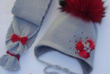 вязанные шапочки  шарфики и прочее