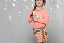 Quapi Kidswear winterseizoen 2017 / Dé droom van hippe mama's en papa's. Kleding in frisse kleuren en felle kleuren. Kleding met een goede pasvorm. Kleding die naast lekker draagbaar vooral ook goed betaalbaar is. Dat is Quapi. De naam is een variant op het Spaanse guapo, guapa of guapito. Dat knapperd, 'lust voor het oog' of 'lekker ding' betekent. En dat zijn de kinderen, die er op elke schoolfoto uitspringen in de kleding van Quapi. De jurkjes, jasjes, leggings en accessoires van Quapi zijn inmens populair.