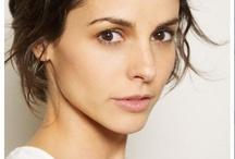 Celebrity : Female : Stephanie Szostak