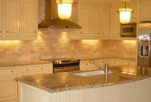 Kitchens / by Laila Swann