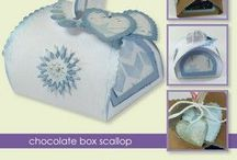 CraftEmotions StanzschabloneChocolate Box scallop / CraftEmotions Stanzschablone: Chocolate Box scallop, 64x64x68 mm