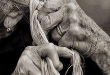 Hands / Hands tell stories