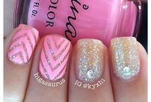 sharp nails! / by Maggie Semik