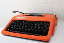 typewriters / by Wollarium