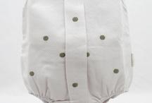 Ropita para el Bebé / Regalos originales para recién nacidos, regalos para bebés, canastillas para nacimiento, tartas de pañales, bolsos de carro personalizados, regalos personalizados para bebés, mantas bordadas con el nombre del bebé, bodies para bebés originales, y... ¡mucho más!